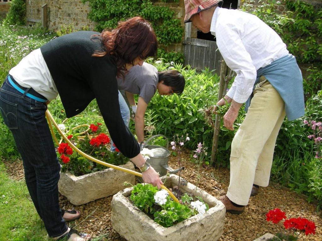 Lisa Skuret, Gardening with Julian Barbour, 2011